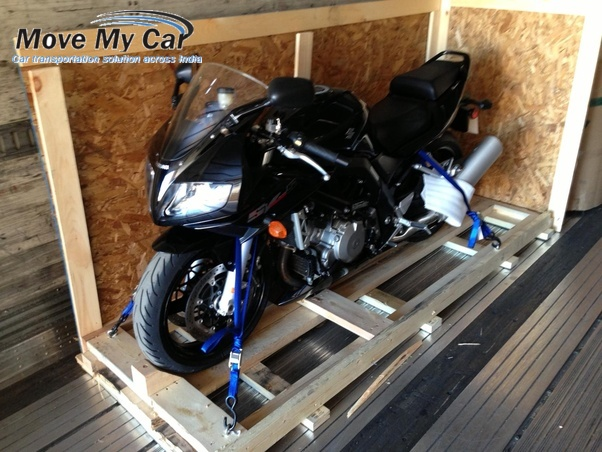 Inspect the Packing materials of the Bike Shipping Professionals- MoveMyCar